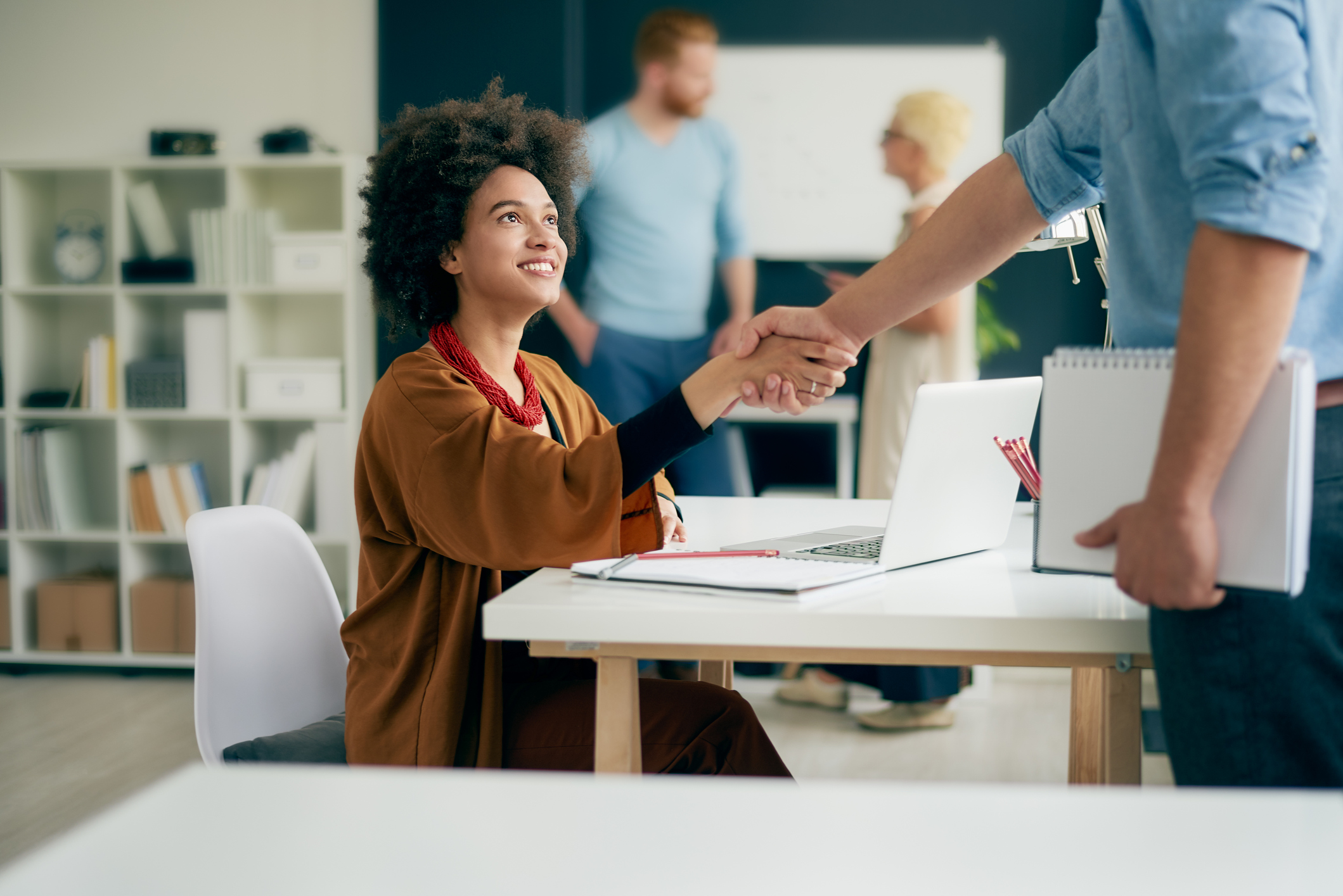 Brilliant Beginnings: 5 Tactics For Inducting New Staff Successfully
